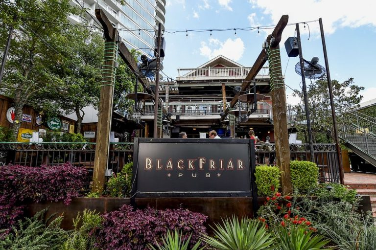 Blackfriar Pub Dallas TX 768x511