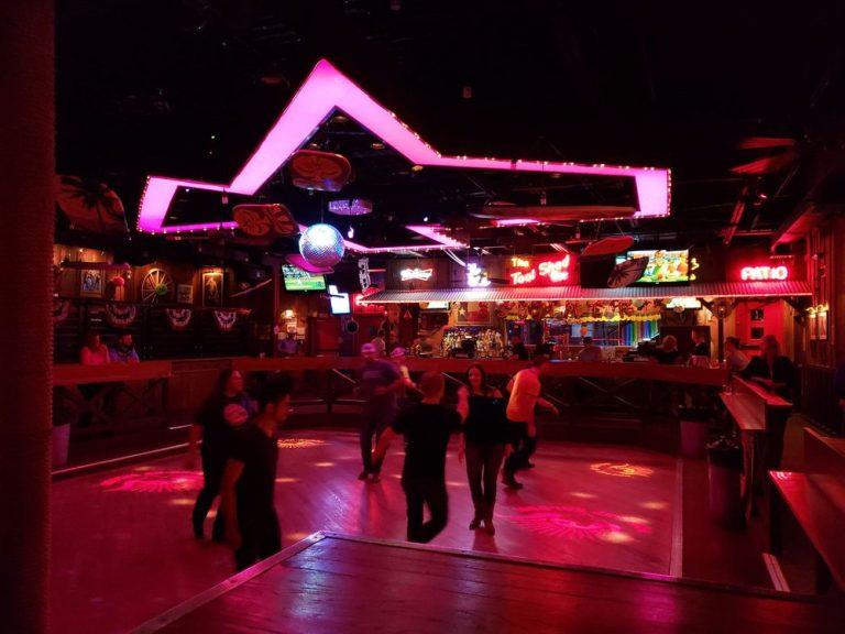 round up saloon dallas 768x576
