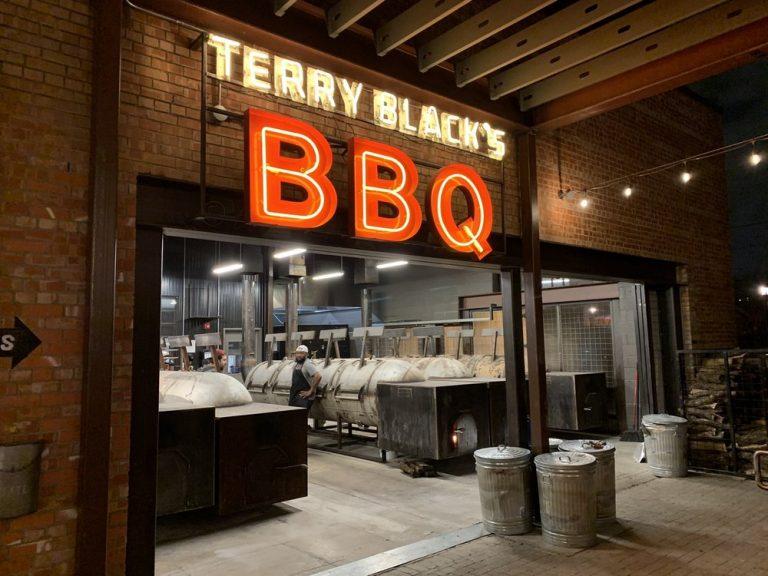 Terry Blacks Barbecue Dallas TX 768x576
